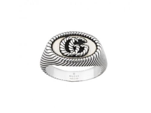 Anello Chevalier Gucci Marmont in Argento con Logo Doppia G Torchon 12 mm
