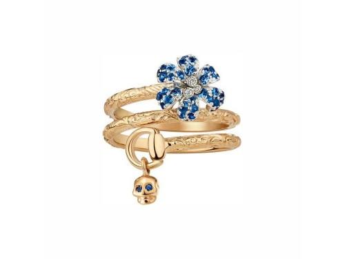 Anello Gucci Flora con teschio in oro rosa e bianco e fiore in diamanti e zaffiri blu